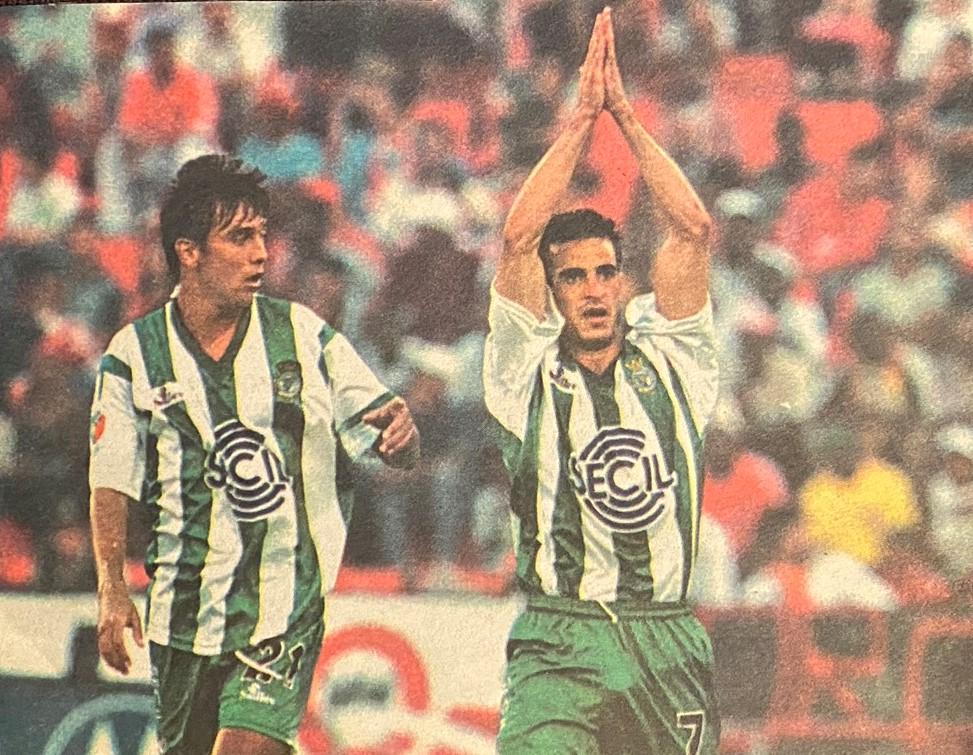 Marco e Paulo Ferreira contra o Slbenfica
